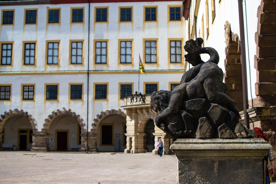 statue dans le palais de Friedenstein