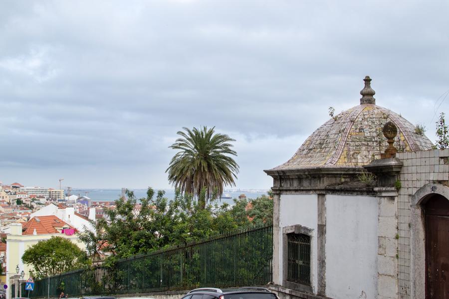 vue dans une rue à Lapa - Lisbonne