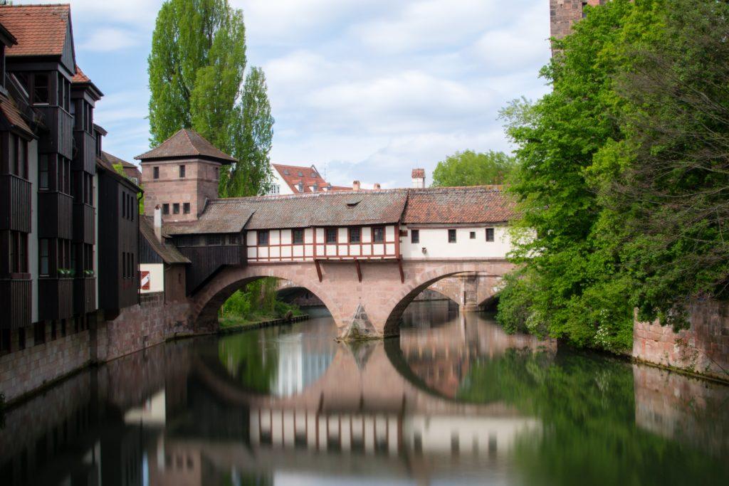 le long de la rivière à Nurnberg
