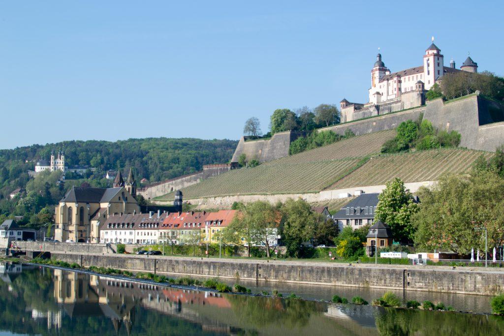 le chateau de wurzburg vu du pont