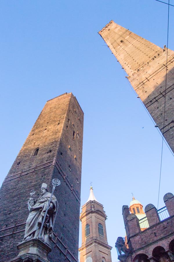 tours Asinelli Bologne